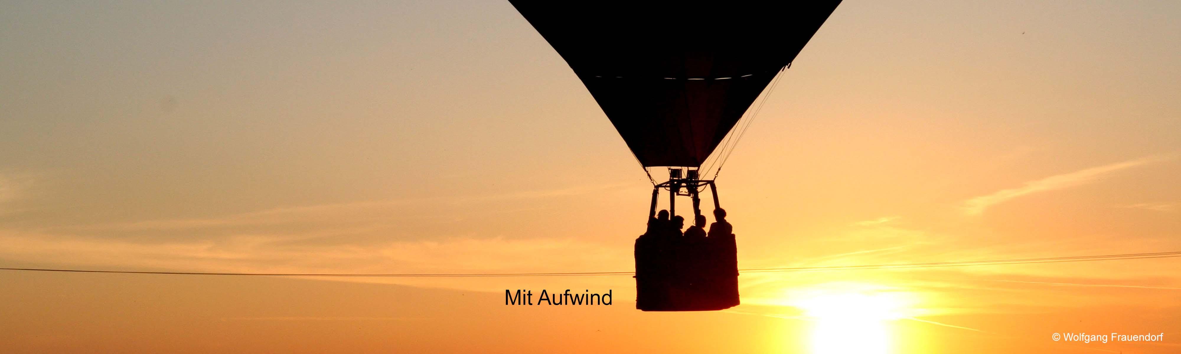 Luftballon Symbolisiert mit Aufwind -  Werbung Marketing